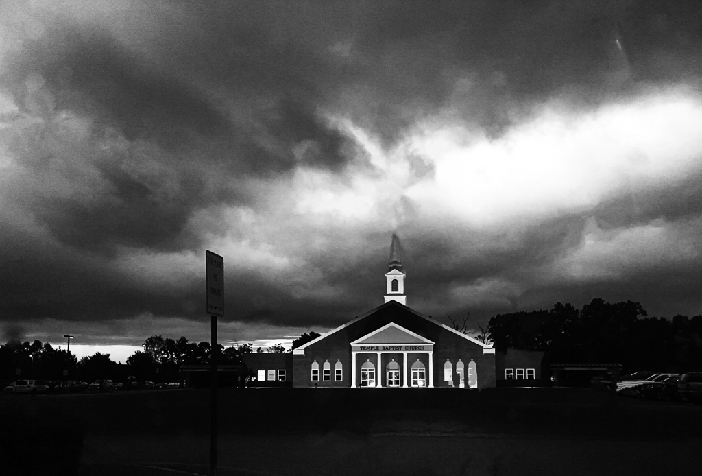 Just Before the Storm, photography by Vickie Varela (MG: June 2019)